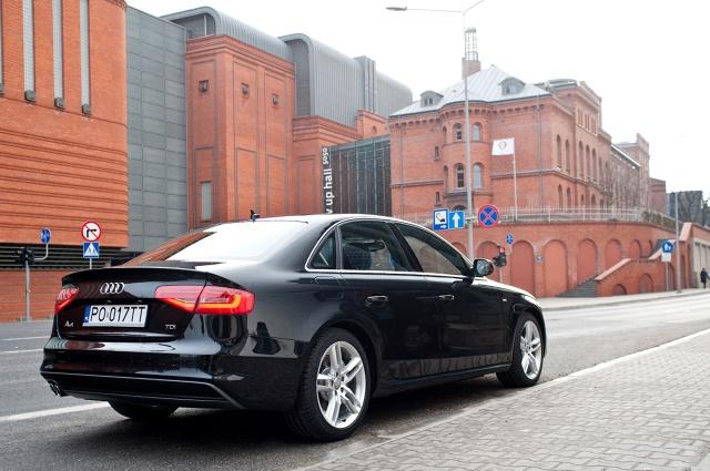 Coraz więcej nowych samochodów na polskich drogach