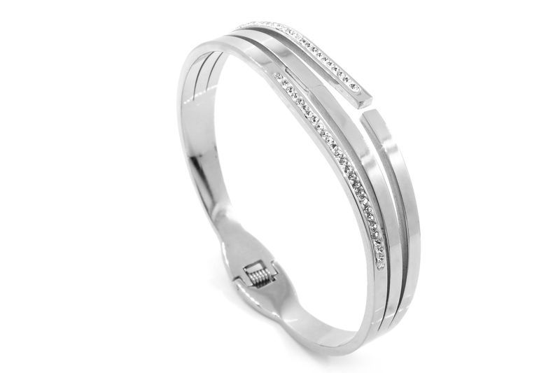 Jakie kamienie do bransoletek srebrnych?