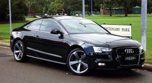 Sprzedaż samochodu używanego w autoskupie – jaka umowa?