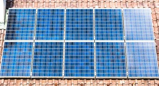 Panele fotowoltaiczne a kolektory słoneczne